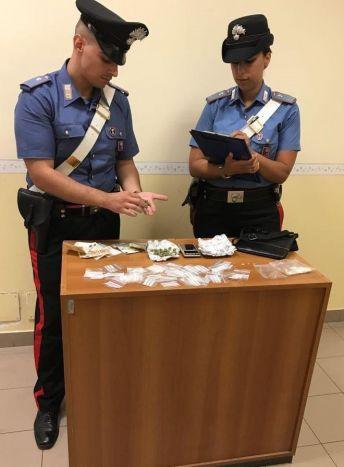 POMEZIA - La droga sequestrata dai Carabinieri (2)