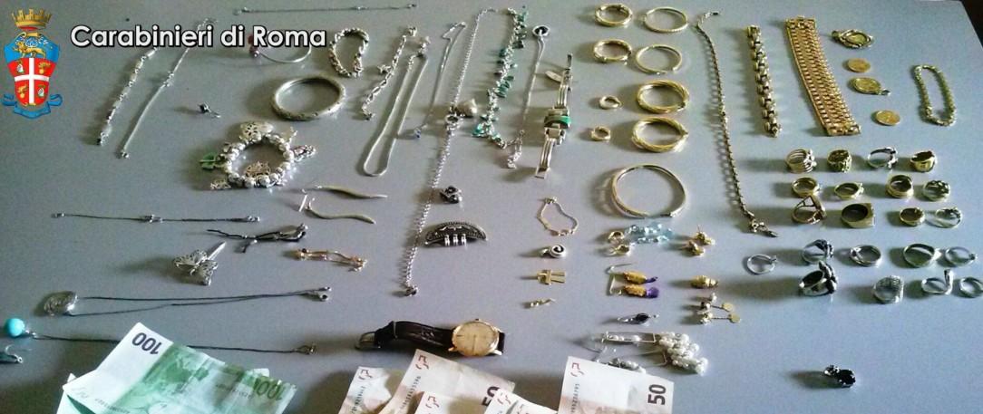 Controlli al campo rom rinvenuti oggetti in oro provento for Oggetti sacri roma