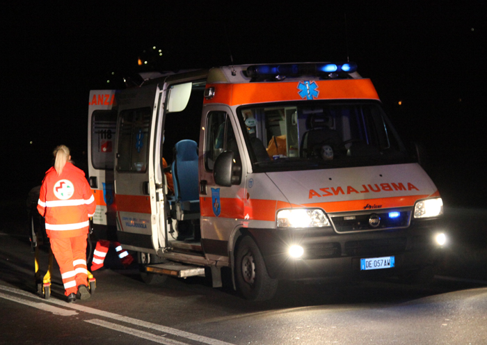 Roma: terribile incidente stradale a Castelverde Video