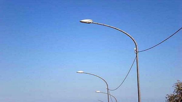 Pali per illuminazione urbana: pozzuoli il comune controlla i pali