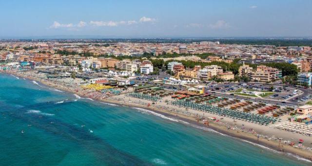 Ostia forza italia stagione estiva a rischio for Di tommaso arredamenti ostia