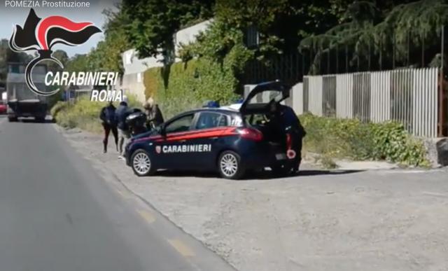 Arrestati gli sfruttatori delle giovani prostitute dell'Ardeatina. Il video