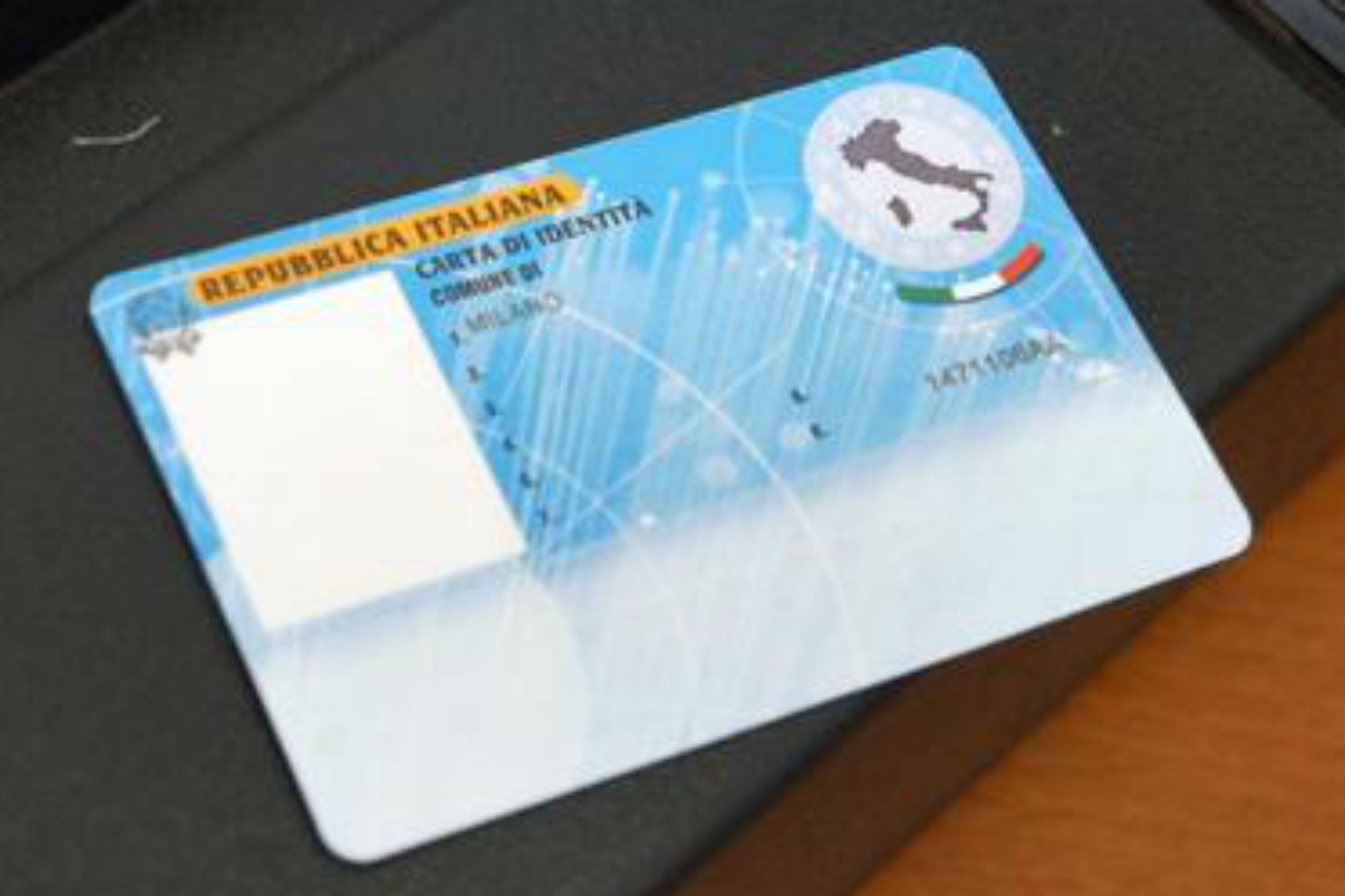Latina arriva la carta d 39 identit elettronica for Carta di soggiorno 2017 documenti