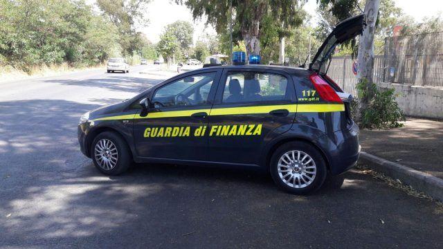 Risultati immagini per foto auto della guardia di finanza
