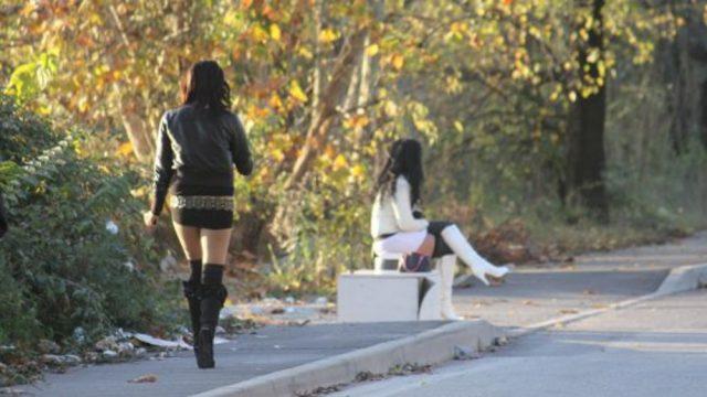 Teen girls in La Romana