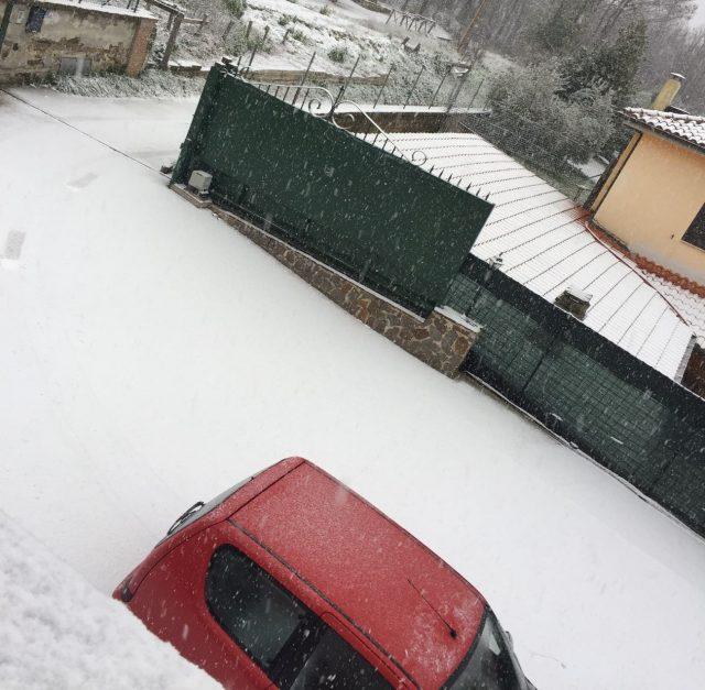 Castelli Romani imbiancati: nevica a Nemi, Rocca Priora e Rocca di Papa