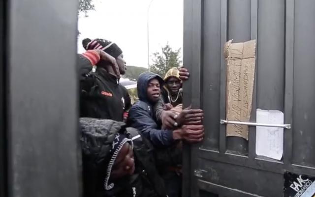 Roma, tensione al centro di accoglienza: la protesta di 200 migranti