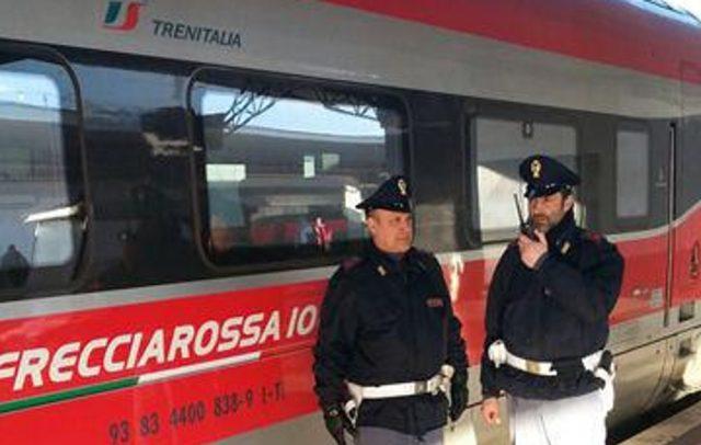 Narcotizzavano i passeggeri sui treni Napoli-Roma per derubarli: 4 arresti