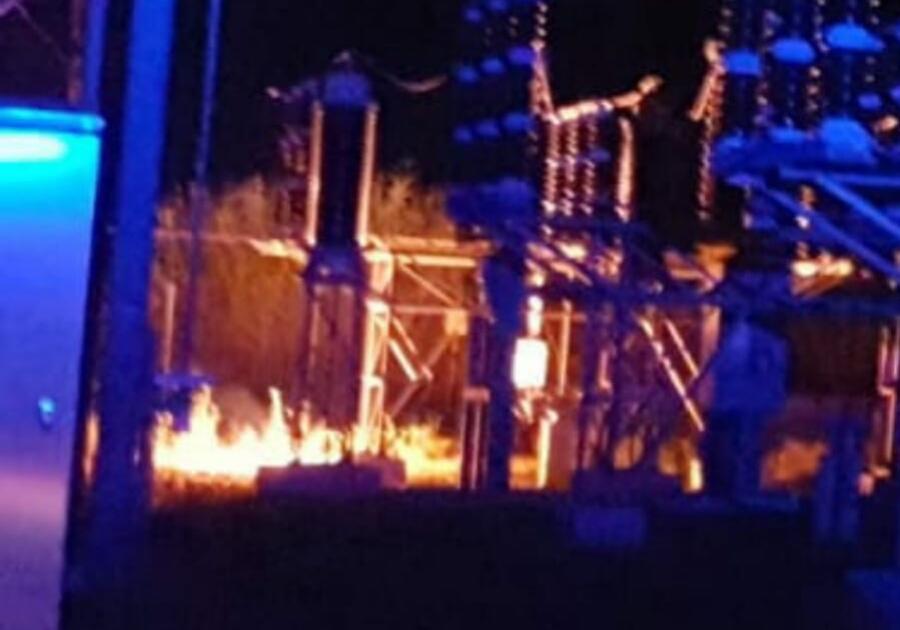Blackout pomezia e torvaianica a fuoco una cabina sulla for Una planimetria della cabina del telaio