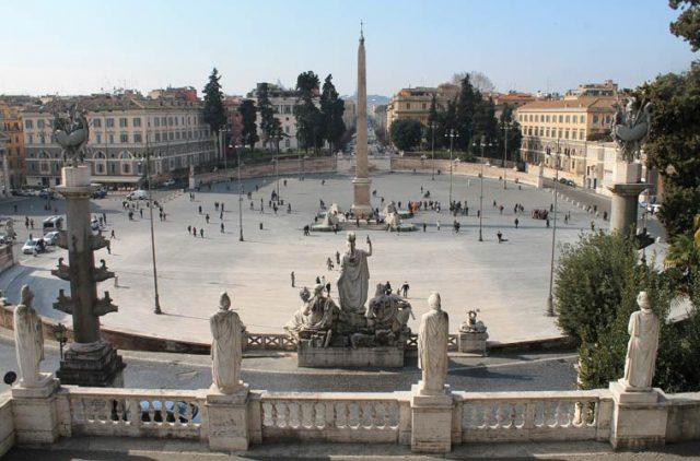 Roma Tragedia Al Pincio 84enne Si Butta Dalla Terrazza E Muore