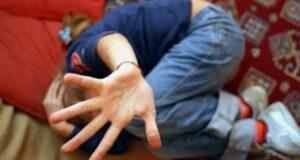 abusi su minori