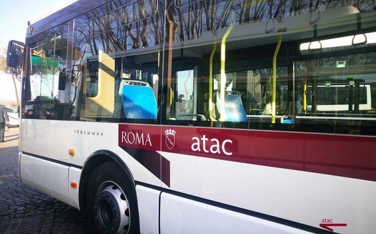 accoltellamento autobus