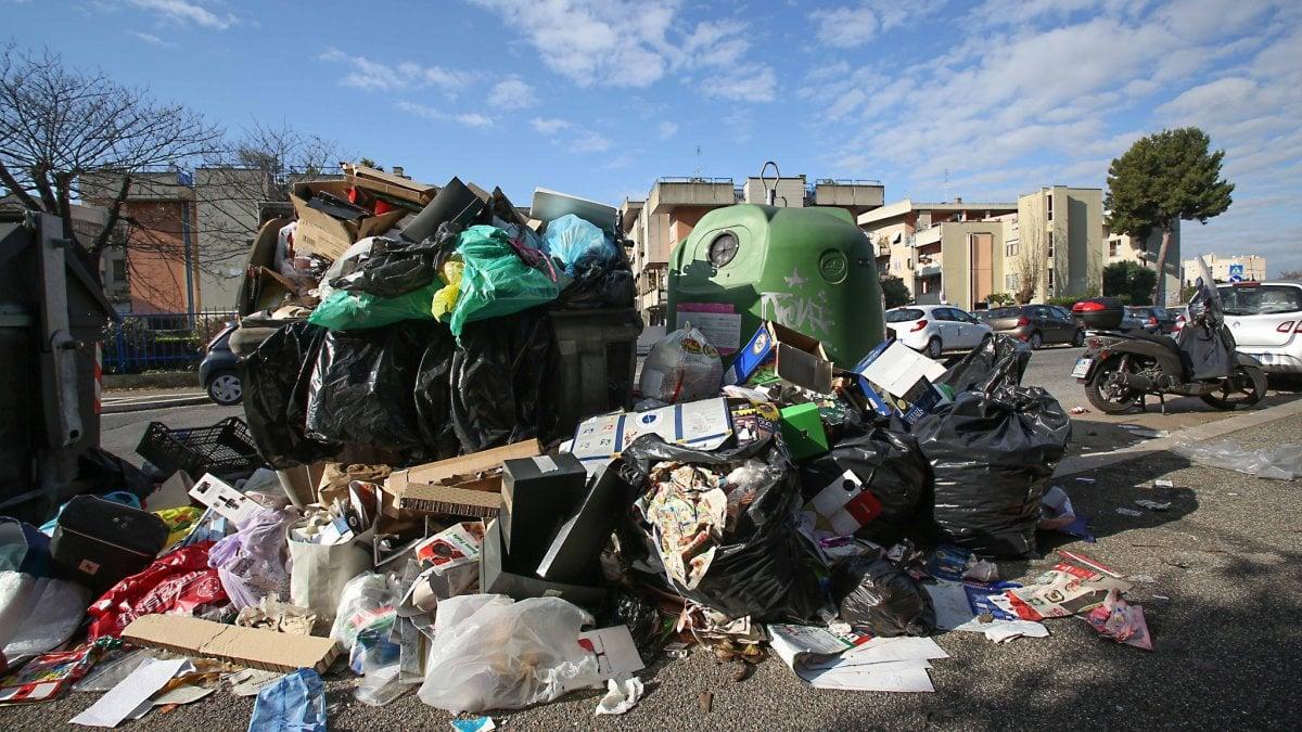 nuovo calendario Aprilia raccolta rifiuti a domicilio