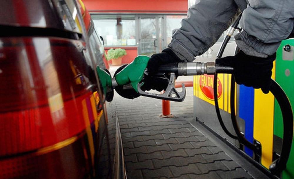 Carburanti, prezzi alle stelle: benzina, diesel, GPL, metano, come vedere dove costano meno