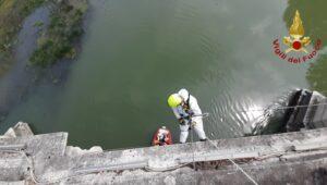 Paura a Roma, 30enne intrappolato sotto il Ponte Vittorio Em
