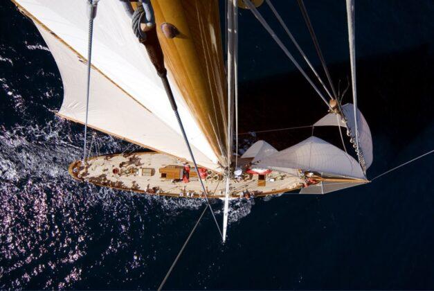 Roma, Guardia di Finanza: riportato in Italia uno yacht del valore di oltre 10 milioni di euro (FOTO)