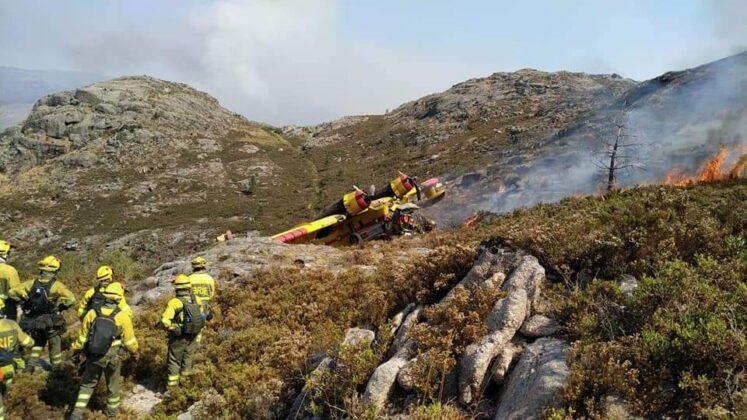Spagna. Vanno per spegnere un incendio, Canadair precipita: morto il pilota, gravissimo il copilota (FOTO)