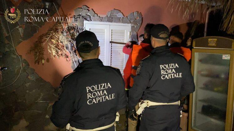 Roma: sgombero e abbattimento di altre villette dei Casamonica (FOTO)