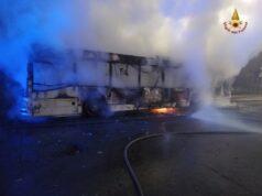 autobus incendiato roma