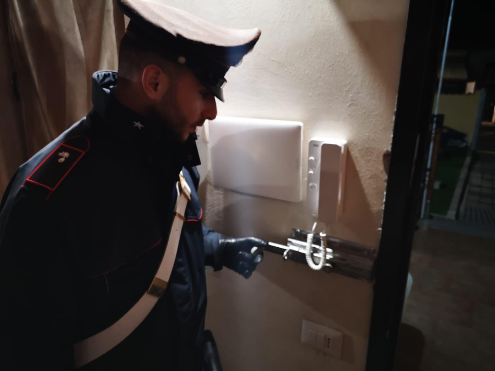 Carabinieri arrestano nonno pusher