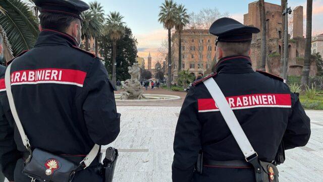 Controlli carabinieri verifica misure anti-Covid a Roma, Pigneto