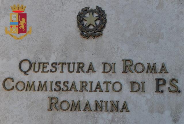 Sassi contro il commissariato Roma