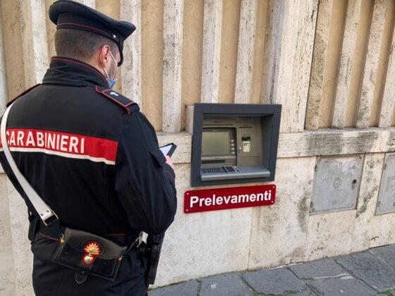 Roma, tentano il colpo grosso al Bancomat, oltre 49.000 euro ma…scatta l'allarme