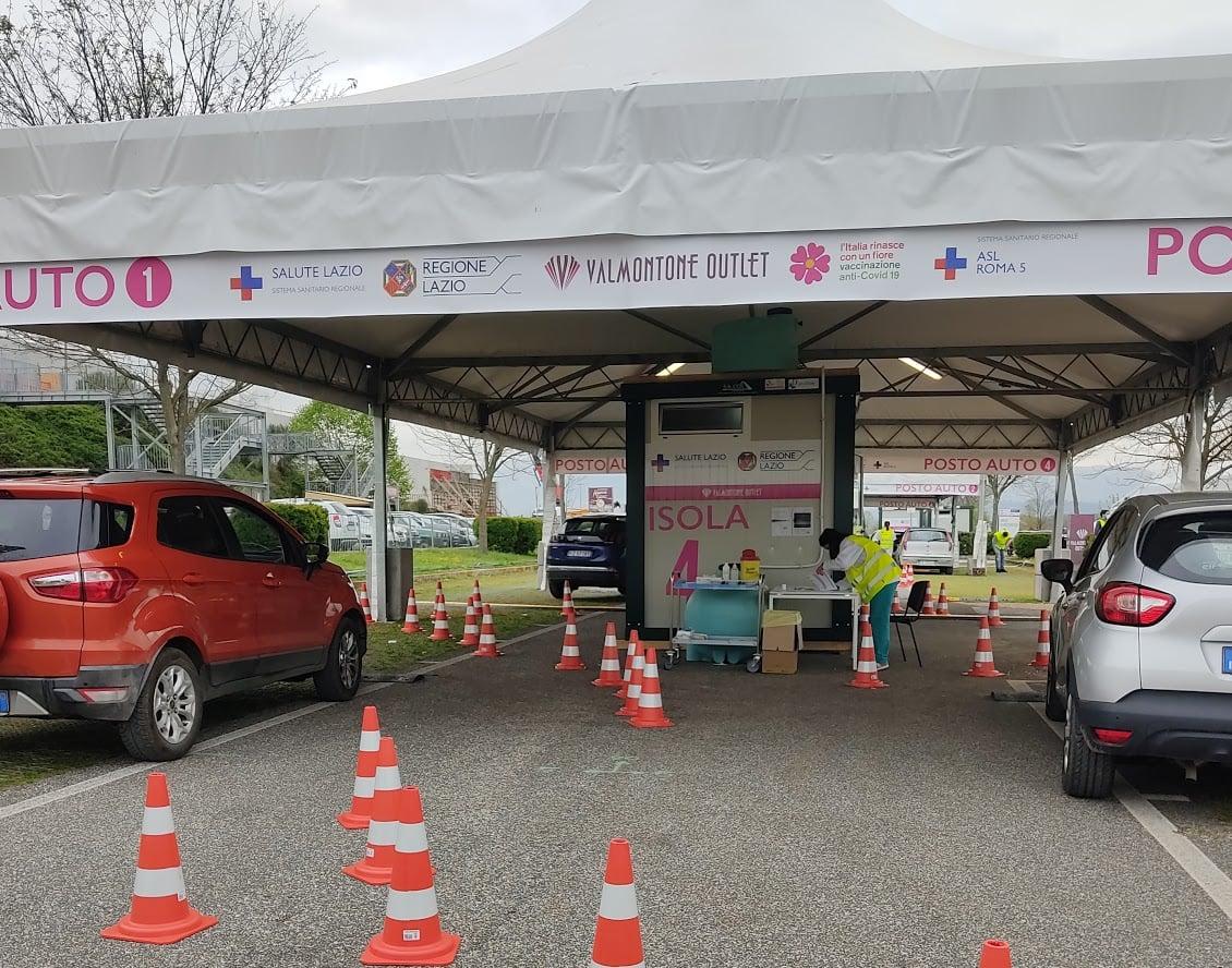 Centro vaccinale drive-in