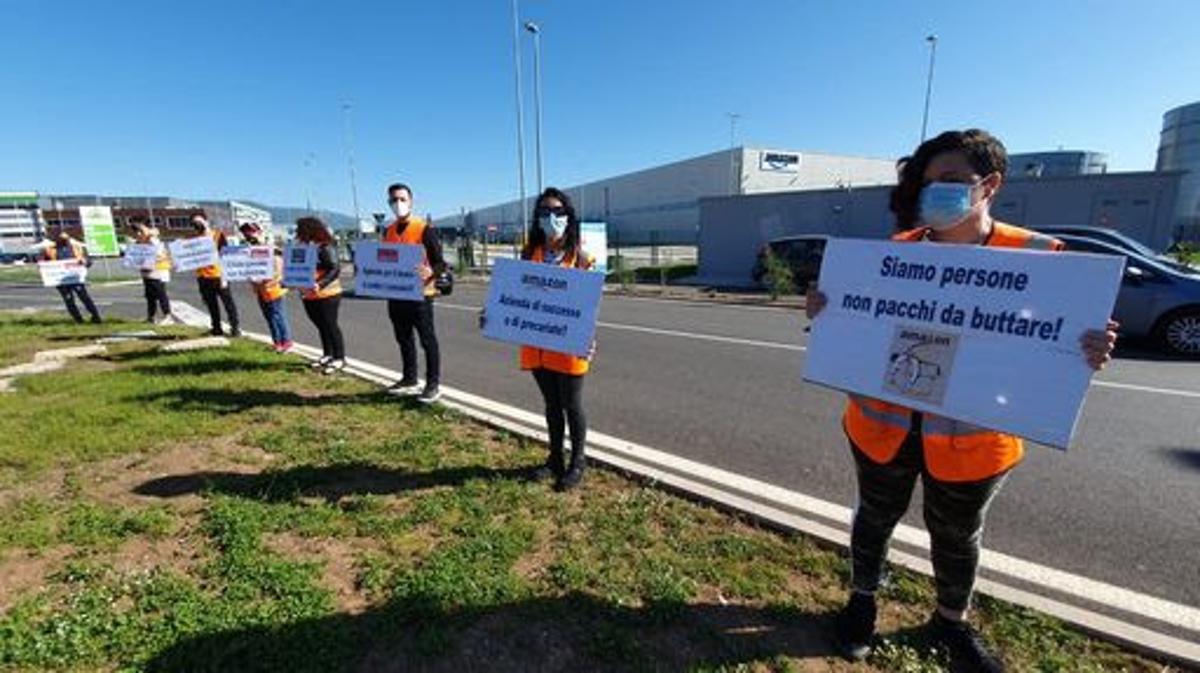 protesta lavoratori amazon
