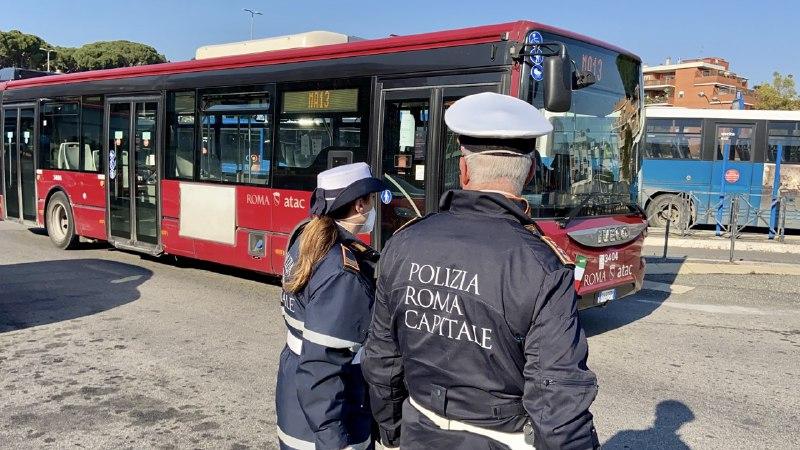 Controlli autobus Polizia Locale