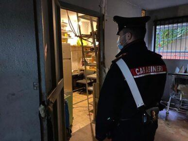 Allacci abusivi e cantine occupate a Tor Bella Monaca: 30 persone denunciate